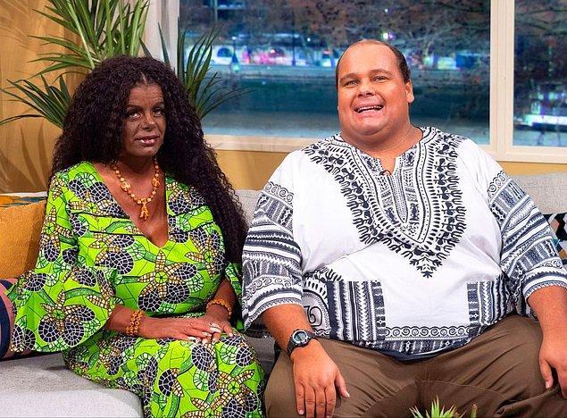 Daha sonraları kocası ile Kenya'ya giden Martina, orada Kenyalı bir papaz tarafından vaftiz edildi.