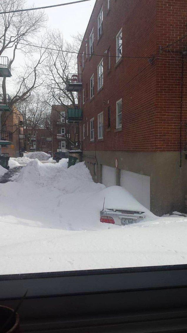 Сейчас-сейчас, только очищу машину от снега