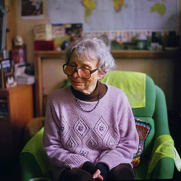 Lily, 82, Paris, aseksüel ve heteroromantik.