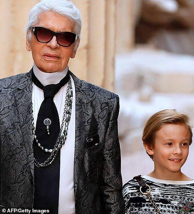 Choupette'nin yanı sıra bir diğer varisi ise Karl'ın vaftiz oğlu Hudson.