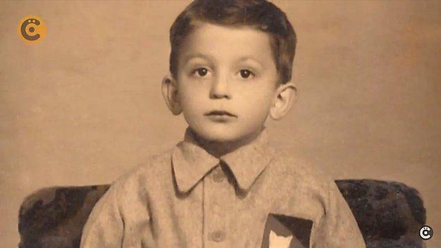 Seyfi Dursunoğlu Trabzon'un Yeni Cuma Mahallesi'nde, kalabalık bir ailenin çocuğu olarak dünyaya gelmiş.