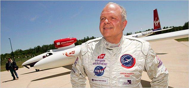2005: Steve Fossett, hiç durmaksızın ve yakıt ikmali yapmaksızın, tek başına bir uçakla, dünya turu atan ilk kişi oldu.