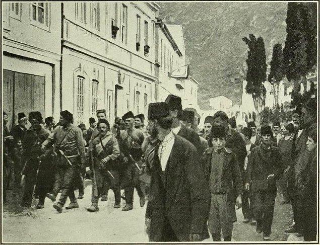 1918: Trabzon'un Çaykara ilçesinin Rus ve Ermeni işgalinden kurtuluşu.