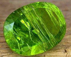 Ваш камень-талисман — хризолит. Он символизирует вашу предусмотрительность