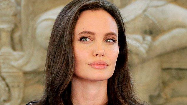 Angelina Jolie'nin en sevdiği yiyeceklerden biri 'böcek'miş.