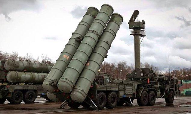 Peki maliyeti ne olacak? Savunma Sanayi Müsteşarlığı tarafından daha önce yapılan açıklamada Rusya'dan iki adet S-400 savunma sistemi alınacağı belirtilmişti.