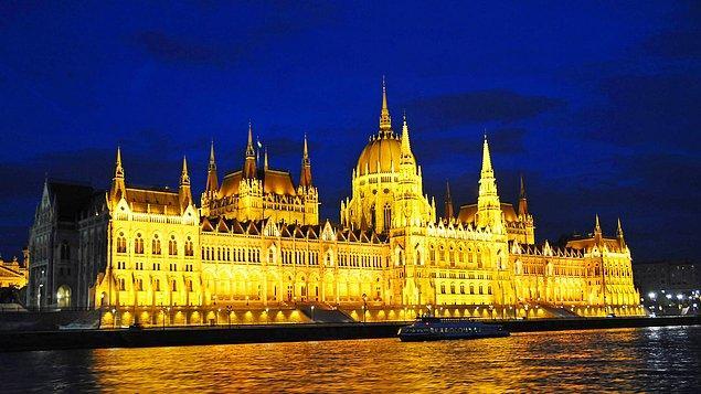 3. Parlamento Binası