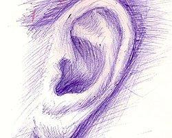 Как правило, уши рисуют те люди, у которых есть необходимость кого-то послушать.