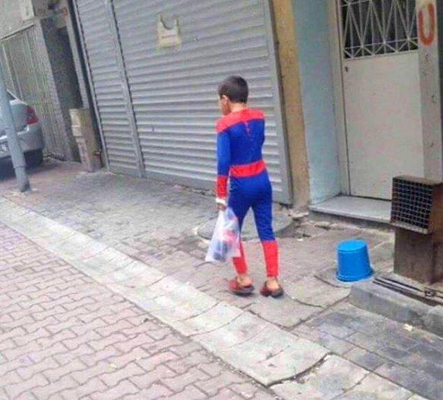 6. Bir Spiderman kolay yetişmiyor.