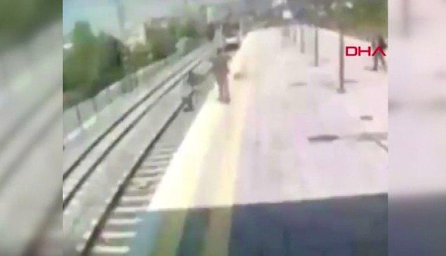 Geçen hafta yaşanan olayda, Küçükçekmece Musafa Kemal Tren İstasyonu'nda, bir kişi son anda rayların üzerine atladı.