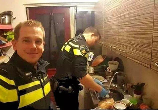 7. Düşük kan şekeri sebebiyle hastaneye alınan kadının evinde kalıp çocuklara yemek hazırlayan ve bulaşıkları yıkayan iki polis...