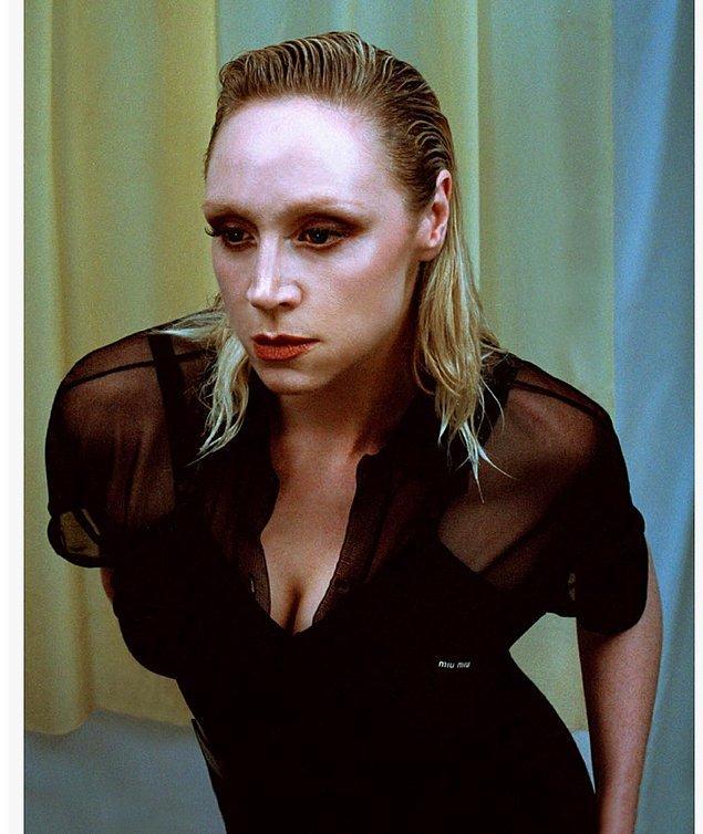 Bu hayran olası kadının bir de dönüp gerçek hayatına bakalım dedik, daha da bi hayran olduk. Karşınızda Brienne'i canlandıran Gwendoline Christie'nin özel hayatından bir kesit!