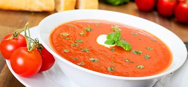 1. Domates çorbasıyla başlayalım: