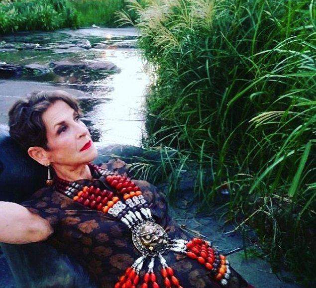 10. 69 yaşındaki moda ikonu Tziporah Salamon tasarımcı ve aynı zamanda model!