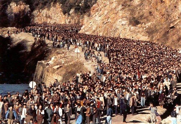 1950 - Ereğli Kömür İşletmeleri'nde Türkiye'nin ilk siyasal grevi yapıldı.
