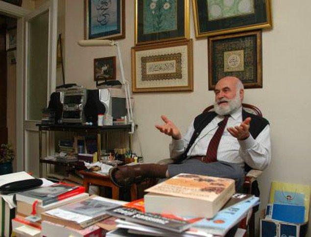 """1986 - Çernobil Nükleer Santrali'ndeki patlamanın ardından, Atom Enerjisi Komisyonu Başkanı Prof. Ahmet Yüksel Özemre, """"radyasyonda endişe edilecek bir şey yok"""" dedi."""
