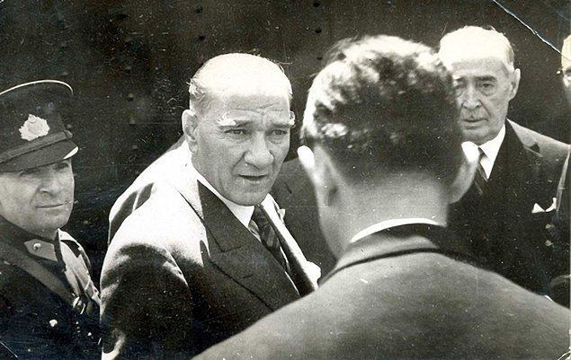 1938 - Atatürk, son defa Gençlik ve Spor Bayramı gösterilerini izledi ve Hatay sorunu ile ilgili olarak -rahatsızlığına rağmen- Güney gezisine çıktı.