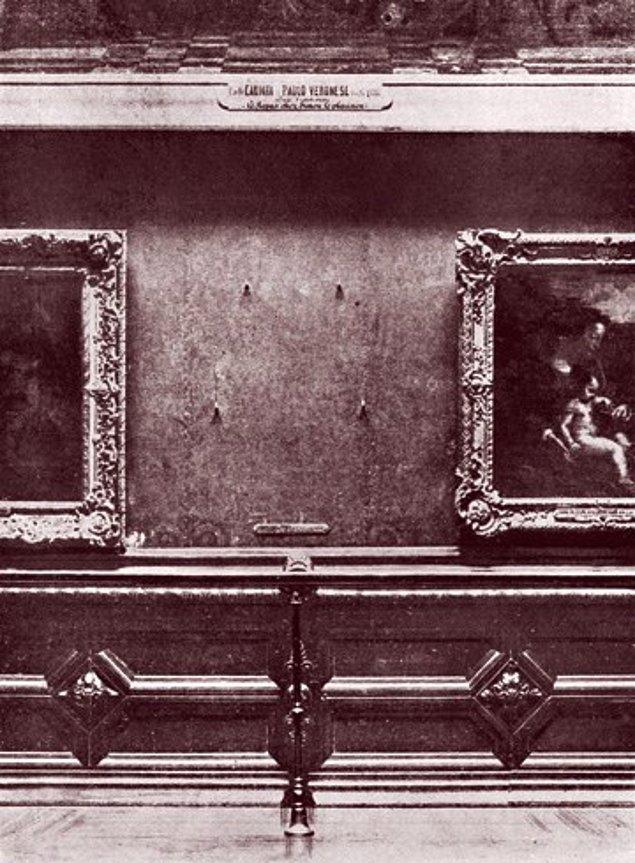 10. 1911 yılında Mona Lisa'nın Louvre'dan çalınmasının ardından, resmin boş yerini görmek için gelenlerin sayısı, resmi görmeye gelenlerin sayısını geçmiştir.