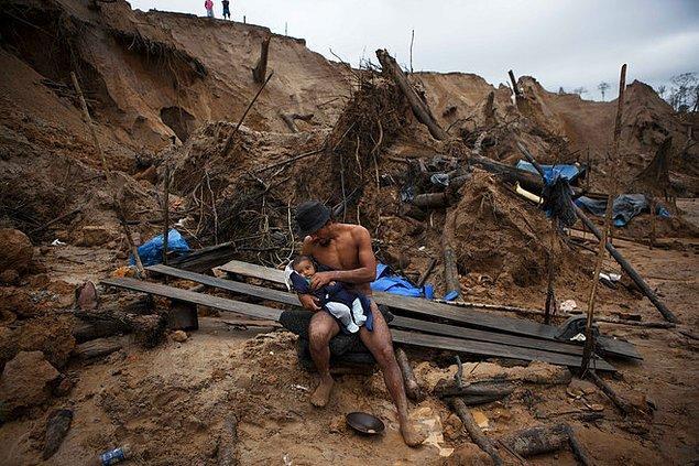1. Perulu altın madencileri 30 gün boyunca ödeme almadan çalışırlar. 31. günde ise evlerine omuzlarında taşıyabildikleri kadar maden götürme hakları vardır.