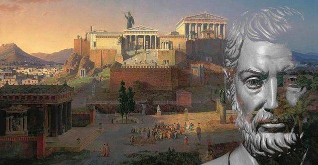 """Atina demokrasisine adım atılmasını sağlamış olan Cleisthenes'e göre bu uygulama """"sürgünün ışığı"""" olarak nitelendirilmiş olsa da çoğu kez rakip politikacıların elimine edilmesine yönelik oylama sistemini de içeriyordu."""