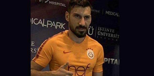 Galatasaray, sağlık kontrolünden geçirdiği Şener Özbayraklı ile 3 yıllık anlaşma sağladı. 29 yaşındaki sağ bekin Galatasaray'dan yıllık 6 milyon TL kazanacağı ortaya çıktı.