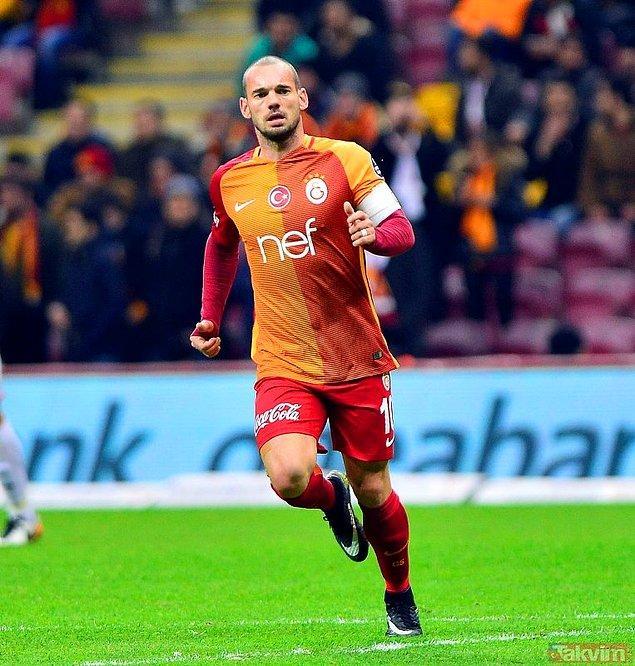 11. Wesley Sneijder / Al Gharafa ➡️ Gazişehir Gaziantep