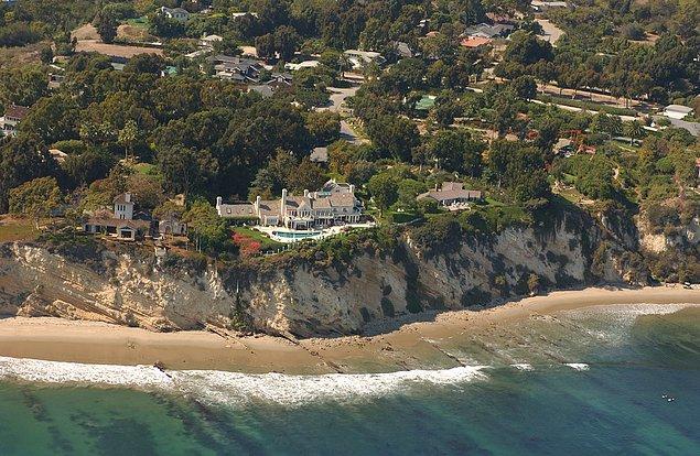 Tabii ki Barbara Streisand! Sanatçı kendi evinin de bu fotoğraflar arasında olduğunu öğrenir...