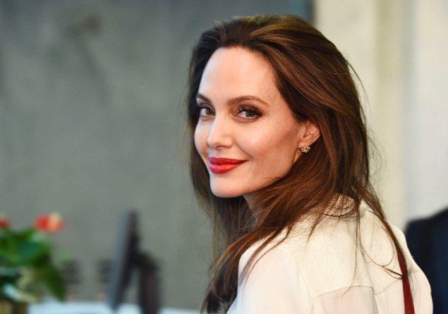 Ünlü bir gazetenin iddiasına göre; Angelina Jolie, John Wick'in yıldızını gözüne kestirdiği için boşanmanın ardından yoluna devam edebildi.