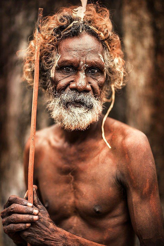 Aborjin bir adam; Pormpuraaw, Cape York Yarımadası/Avustralya