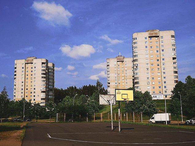 Жители города, в котором снимался сериал «Чернобыль» поделились фотографиями с места жительства