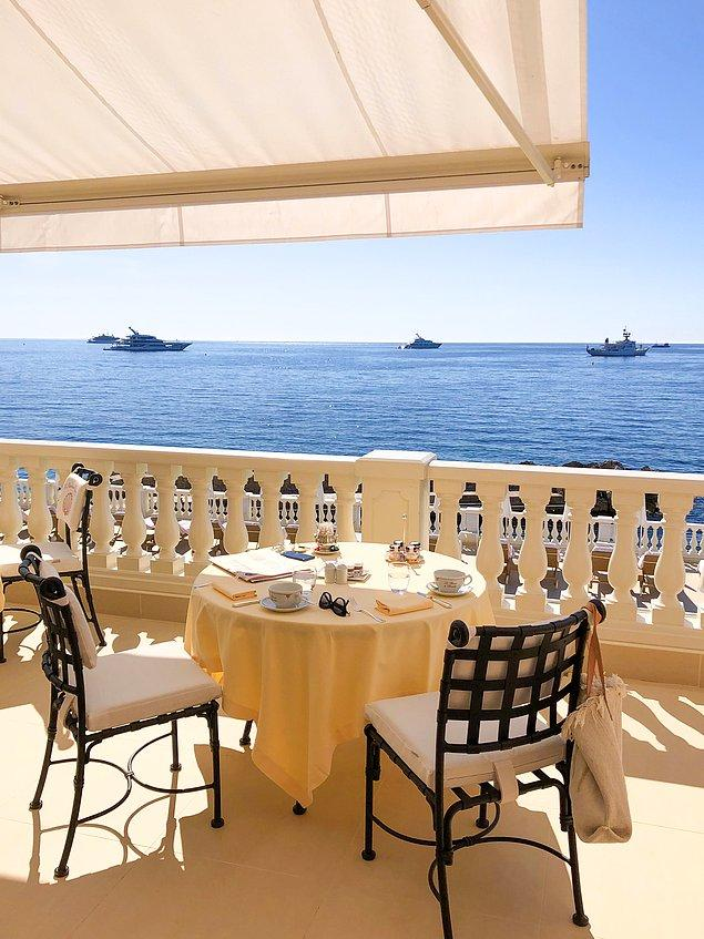 Nice ile Cannes arasında bulunan Grasse de mutlaka ziyaret edilmesi gereken yerlerden biri.