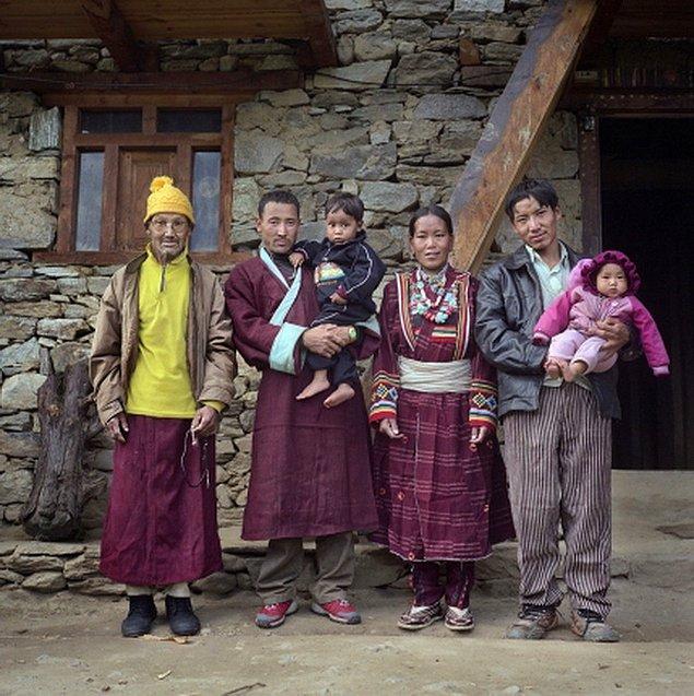 Один муж хорошо, а несколько лучше: 6 народов, у которых многомужество — в порядке вещей