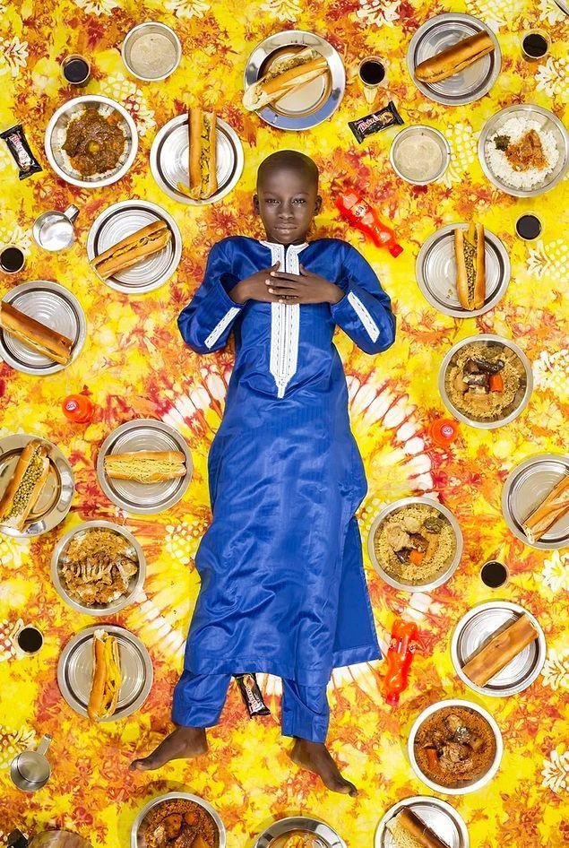 Что едят дети в разных странах: 20 недельных меню в проекте фотографа