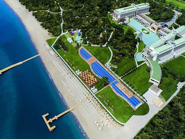 9. Kumlu sahilleri ve yemyeşil manzarasıyla Türk Rivierası olarak da bilinen Belek'te, çam ve fındık ağaçları ormanlarıyla çevrili bir konumda yer alan Rixos Premium Belek,