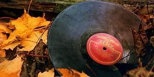 Если вы родились в СССР, то вам по зубам наш тест на знание популярных песен того времени