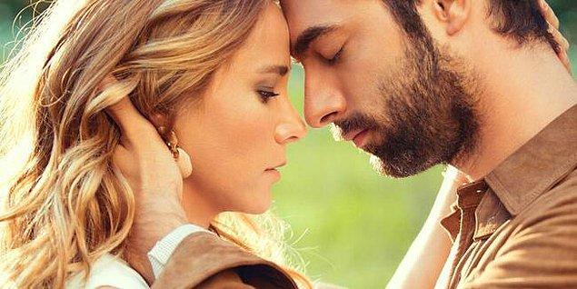 Efsane dizi Poyraz Karayel'in setinde ilişkilerine başlayan ve 2018 yılında 3.5 yıllık birlikteliklerini sonlandıran Burçin Terzioğlu ve İlker Kaleli, son yaptıkları paylaşımla kafaları karıştırdı.