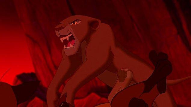 15 громадных отличий «Короля Льва» 2019 от оригинала (Они убрали Эда и Банзая!)