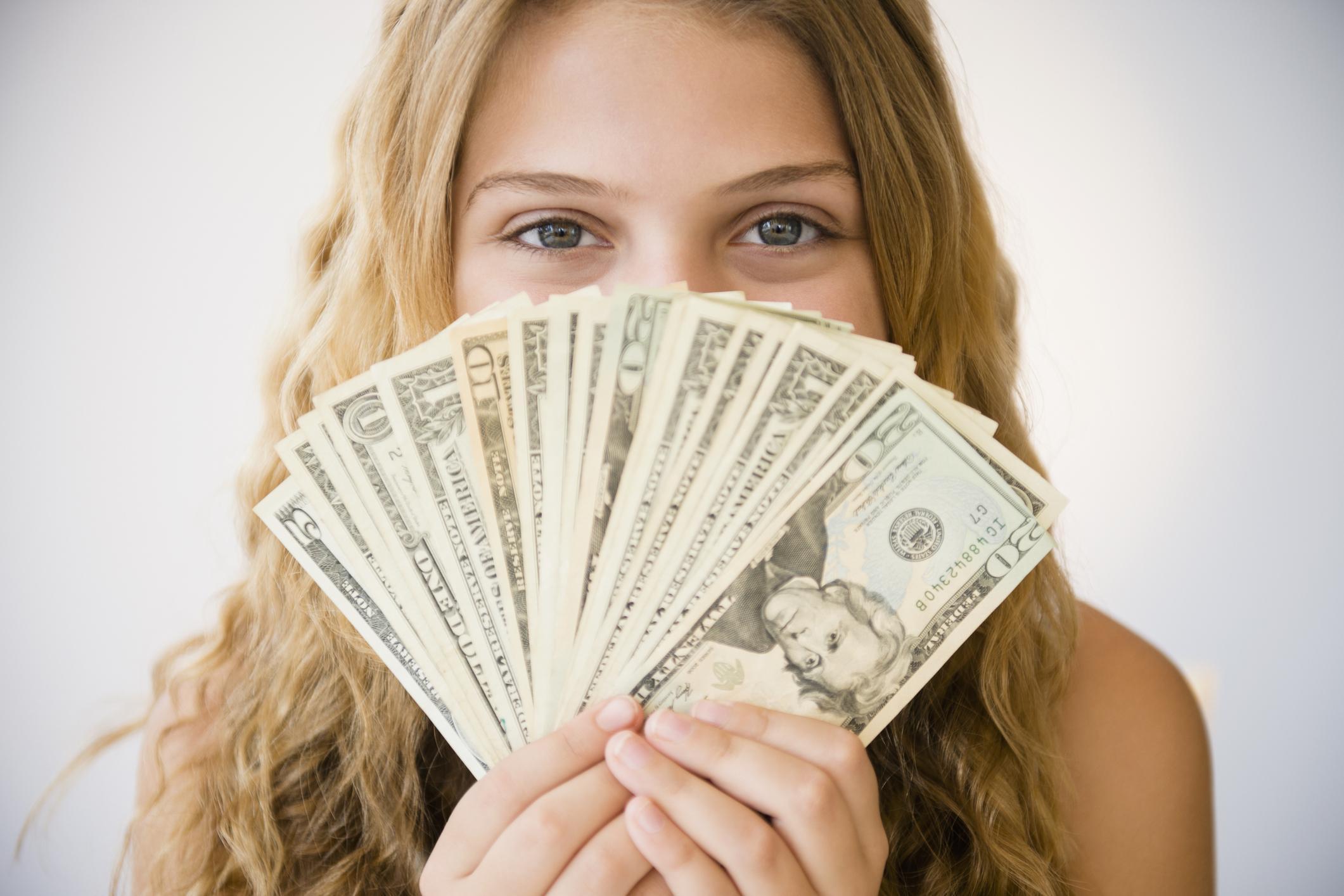 картинка больше денег приобретает друзей сторонников
