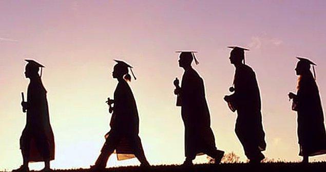 Akademisyen başına 70 öğrencinin düştüğü bölümler var