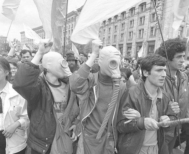 10. Çernobil'in ardından Moskova'yı radyoaktif sızıntılardan korumak için gümüş  iyodür içeren top mermileriyle yağmur bulutları oluşturulmuştur.