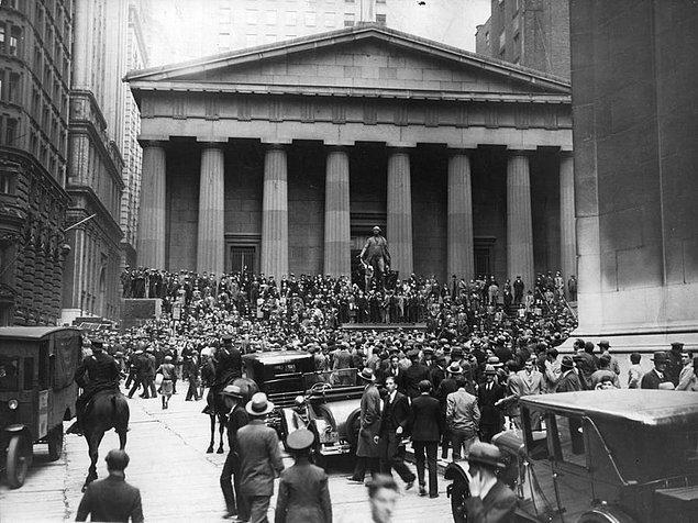 5. 1929'da yaşanan Wall Street iflasından sonrs insanlar pencerelerden atlamadı.