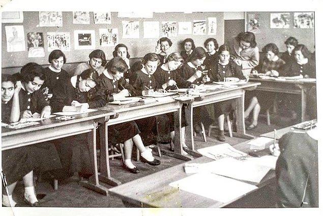 11. Ankara Kız Lisesi, Ankara, 1955.
