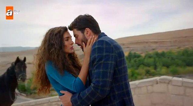 Dizinin 19. bölümünde yer alan ve dizinin başrol oyuncularından Miran karakterine hayat veren Akın Akınözü ve Reyyan'ı canlandıran Ebru Şahin'in öpüşme sahnesi yaklaşık 1 dakika sürdü.