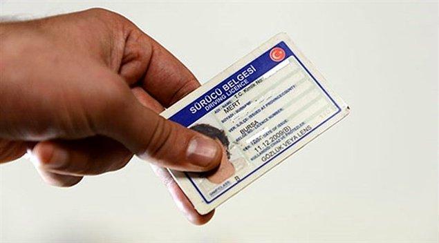 Harçlar yeniden değerleme oranında artırılırsa 613 lira olan B sınıfı ehliyetin harç ücreti yeni yılda 750 lirayı aşacak.