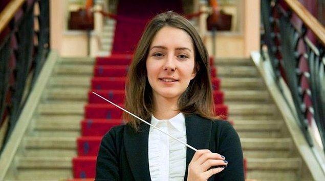 9. Nisan Ak (28) – Orkestra Şefi