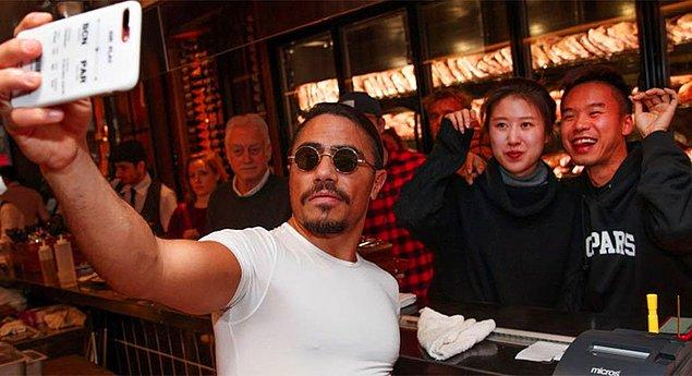 Нусрет Salt Bae был оштрафован на 250 тысяч долларов за то, что уволил недовольных чаевыми официантов