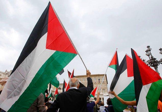 2012 - Filistin, Birleşmiş Milletler Genel Kurulunda yapılan oylamada 138 evet 9 hayır oyu ile Birleşmiş Milletler gözlemci üyesi oldu.