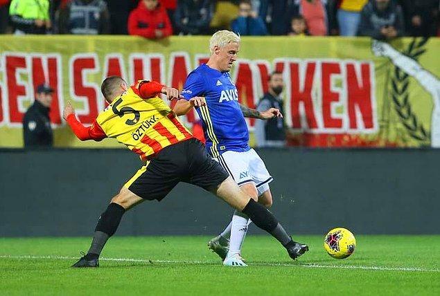 Fenerbahçeli Max Kruse, Göztepe karşısında toplam 18 top kaybı yaptı.