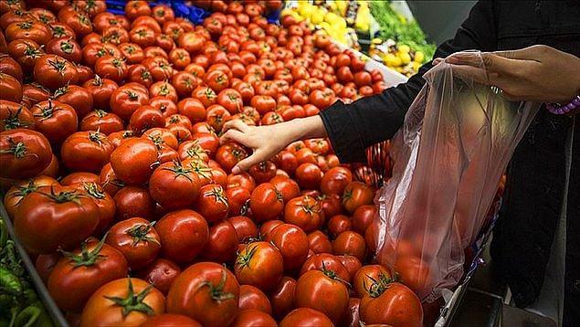 9. Greenpeace Akdeniz'in raporuna göre, Türkiye'de tüketilen domates, biber ve salatalığın yüzde 15'inde yasak pestisit tespit edildi.