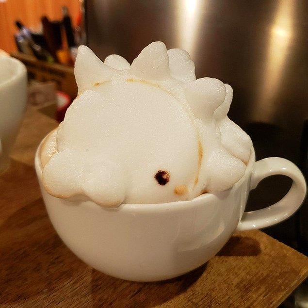 17. Lattelerin üzerine 3 boyutlu kabartma yapan Japon kafelerinden birisi.